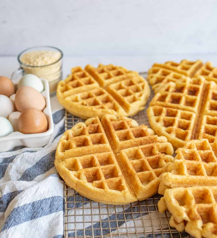Easy Cornbread Waffles with Pulled Pork Recipe