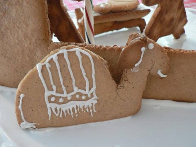 A camel gingerbread cookie