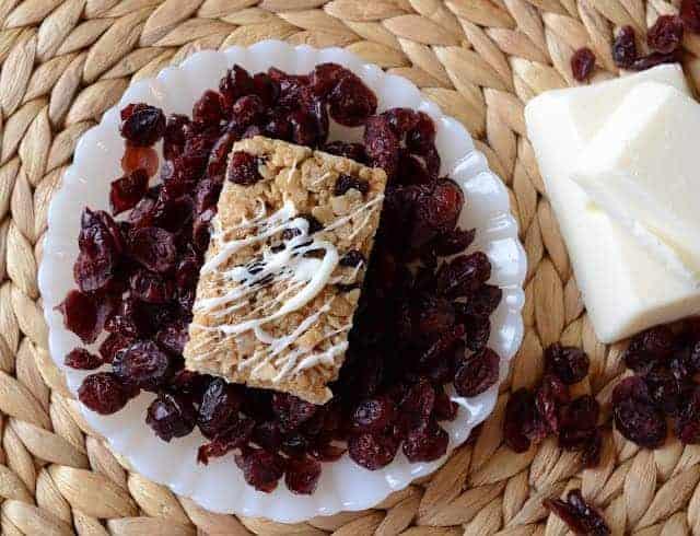 White Chocolate and Craisin Granola Bars