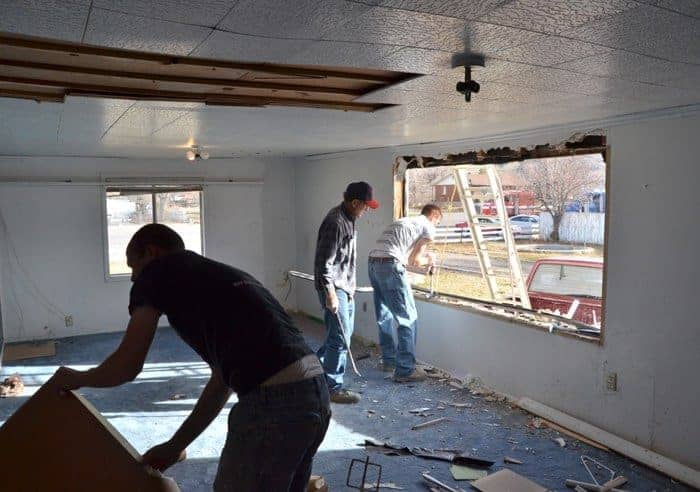 how to replace a window, windows in sunroom, remodeling a bonus room