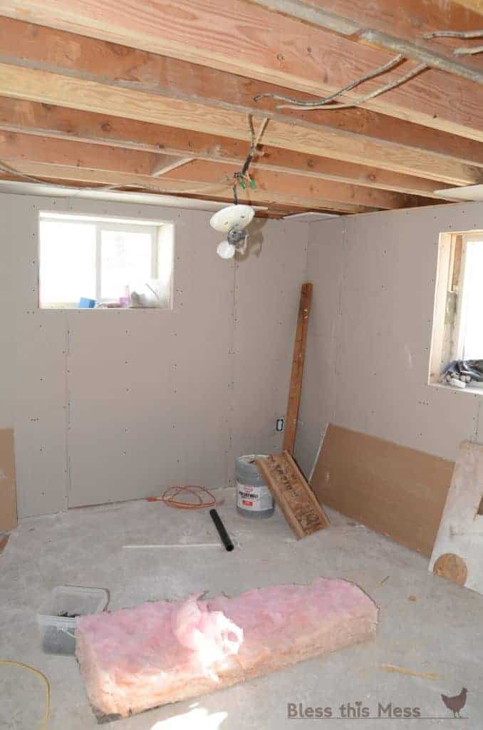 mud and tape, how to dry wall, sheet rock in basement