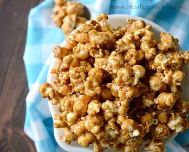 caramel corn recipe from momma, caramel popcorn recipe, stove top caramel corn recipe, easy caramel corn, caramel corn with corn syrup