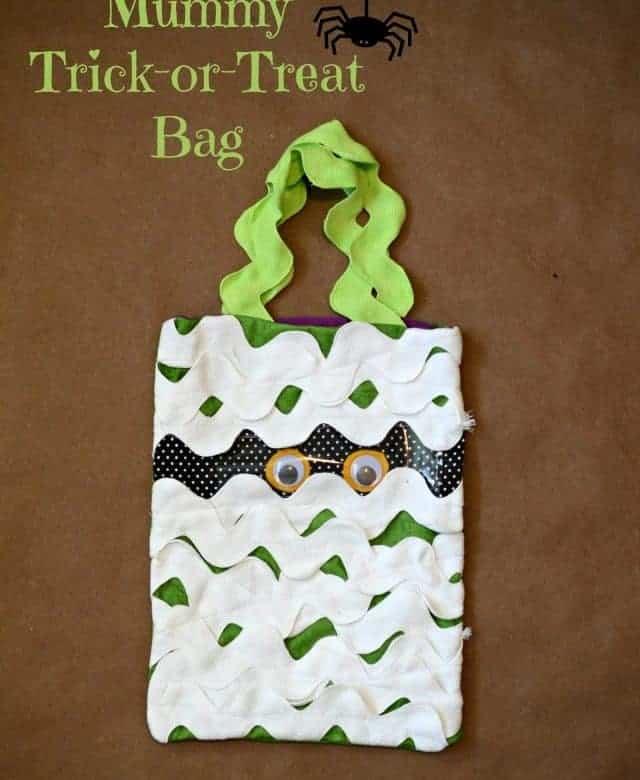 Mummy Trick-or-Treat Bag Tutorial