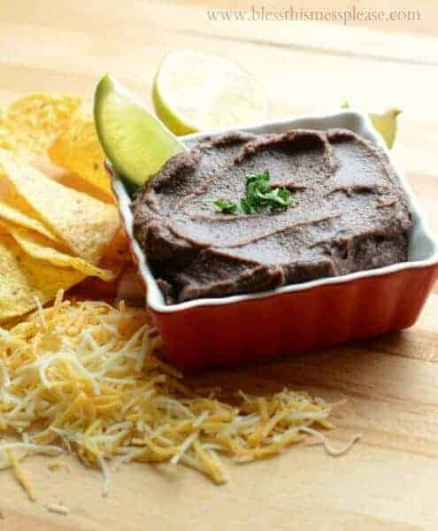 Black bean dip that quick easy, healthy, full of fiber, and just stinkin' delicious.