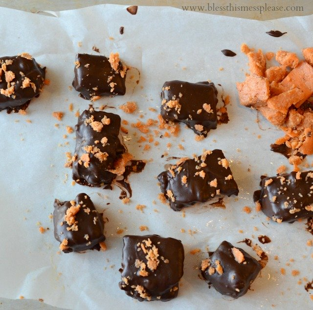 Homemade Butterfingers from www.blessthismessplease.com only 3 ...