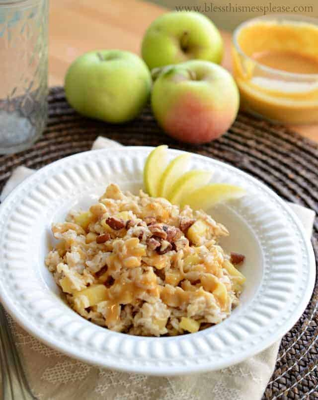 Image of a Bowl of Caramel Apple Oatmeal