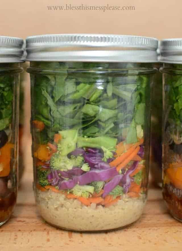 How to whip up those salads in a jar (the do and don't) from www.blessthismessplease.com