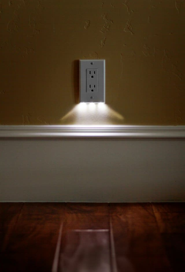 SnapRays an LED nightlight built right into the outlet cover plate | doesn't take up any space, looks great, and easy to install I need some of these