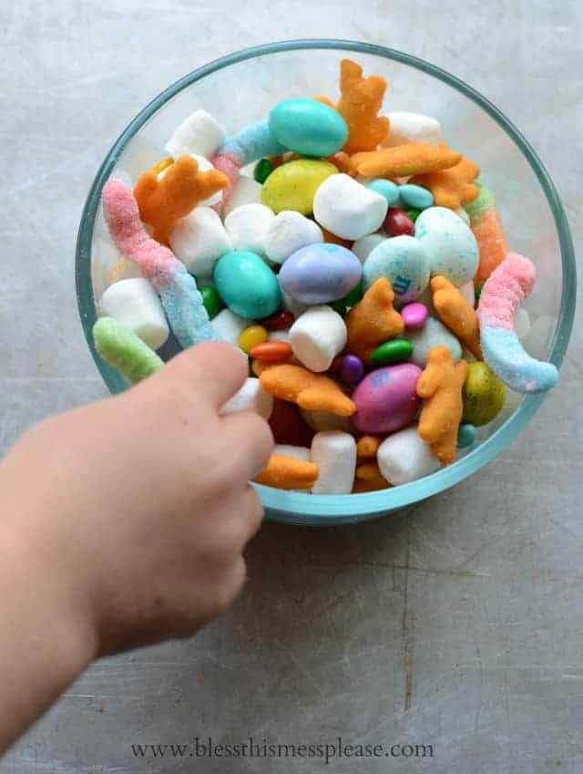 Adorable and Easy Spring Snack Mix