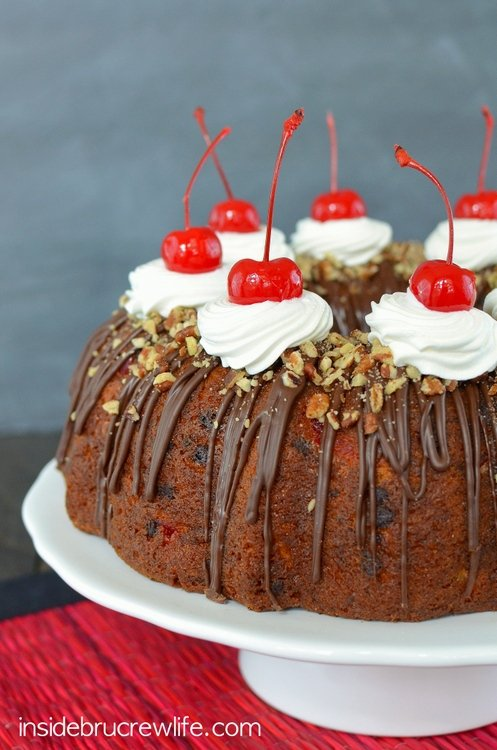 Banana-Split-Bundt-Cake-4