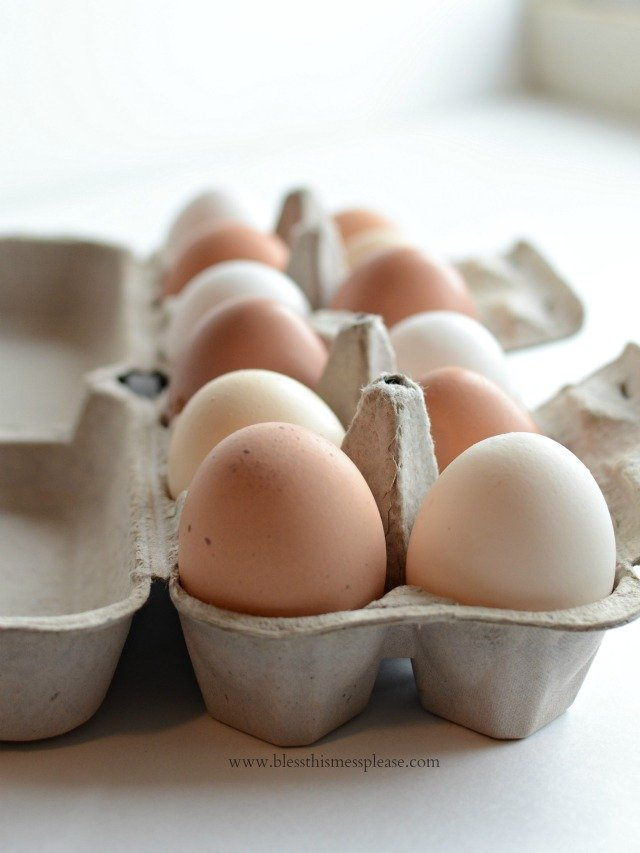 Fresh Eggs for Giving - fresh eggs and free recipe card for the perfect neighbor gift!