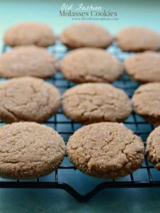 Old Fashioned Molasses Cookies Recipe | Easy Molasses Cookies