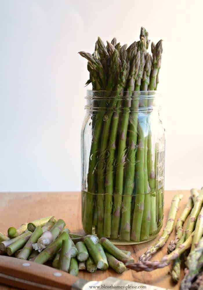Wondering how to keep & cook asparagus? You can pickle it, eat it raw, roast it in the oven, add it to pasta and even make it into a tart.