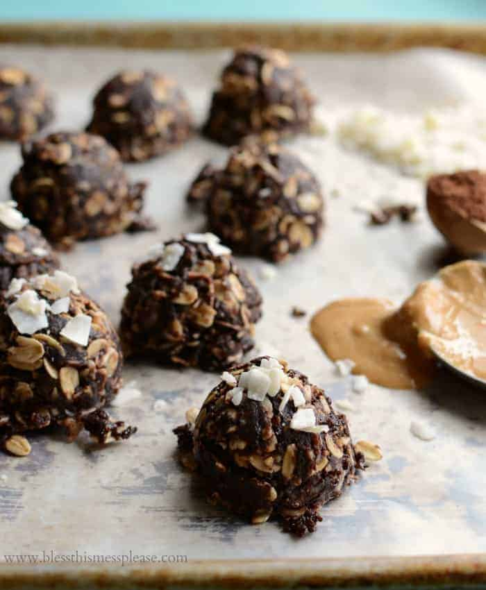 These no-bake chocolate coconut cookies will satisfy your sweet tooth & are kid approved too! Made with a irresistible combination of cocoa, coconut & peanut butter with a touch of vanilla. You have to try these!