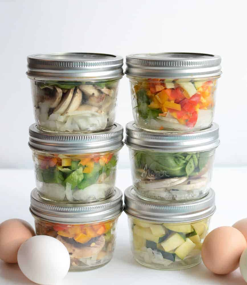 Make Ahead Omelet in a Jar will not only help you eat healthier, but you'll eat up all of those veggies in the fridge!