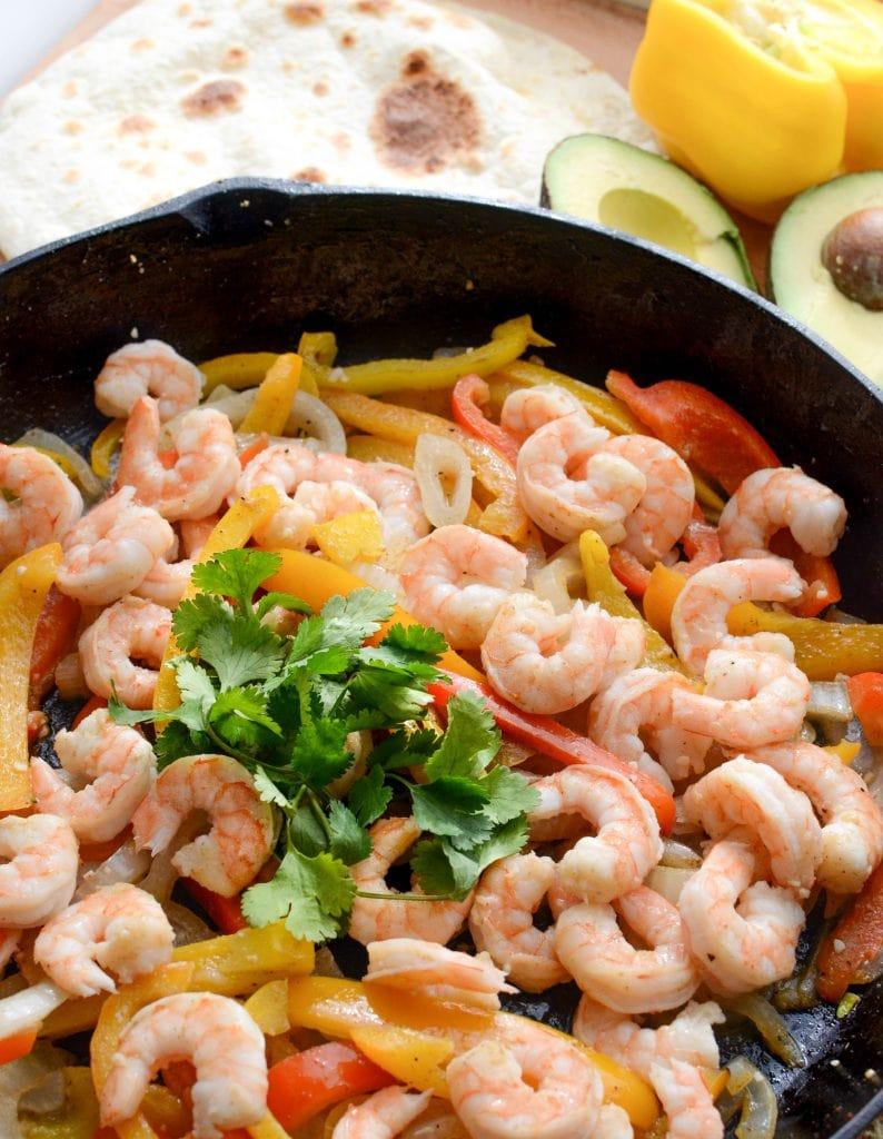 Simple Shrimp Fajita Recipe the whole family will love, done in 20 minutes!