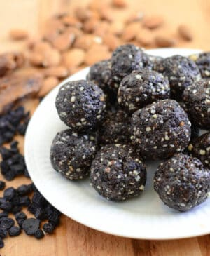 Blueberry Muffin Date Balls are the best clean eating snack recipe that's full of protein and good fat! Made with whole foods and tastes great!
