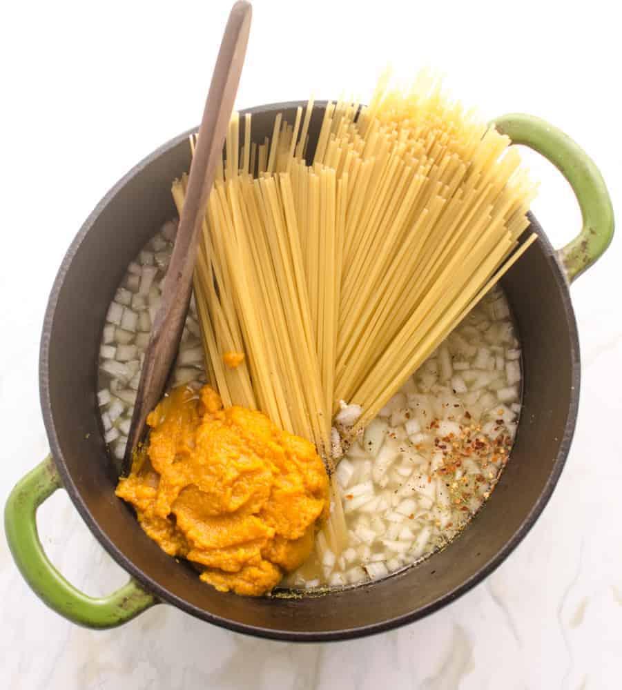 One pot creamy pumpkin pasta - ingredients