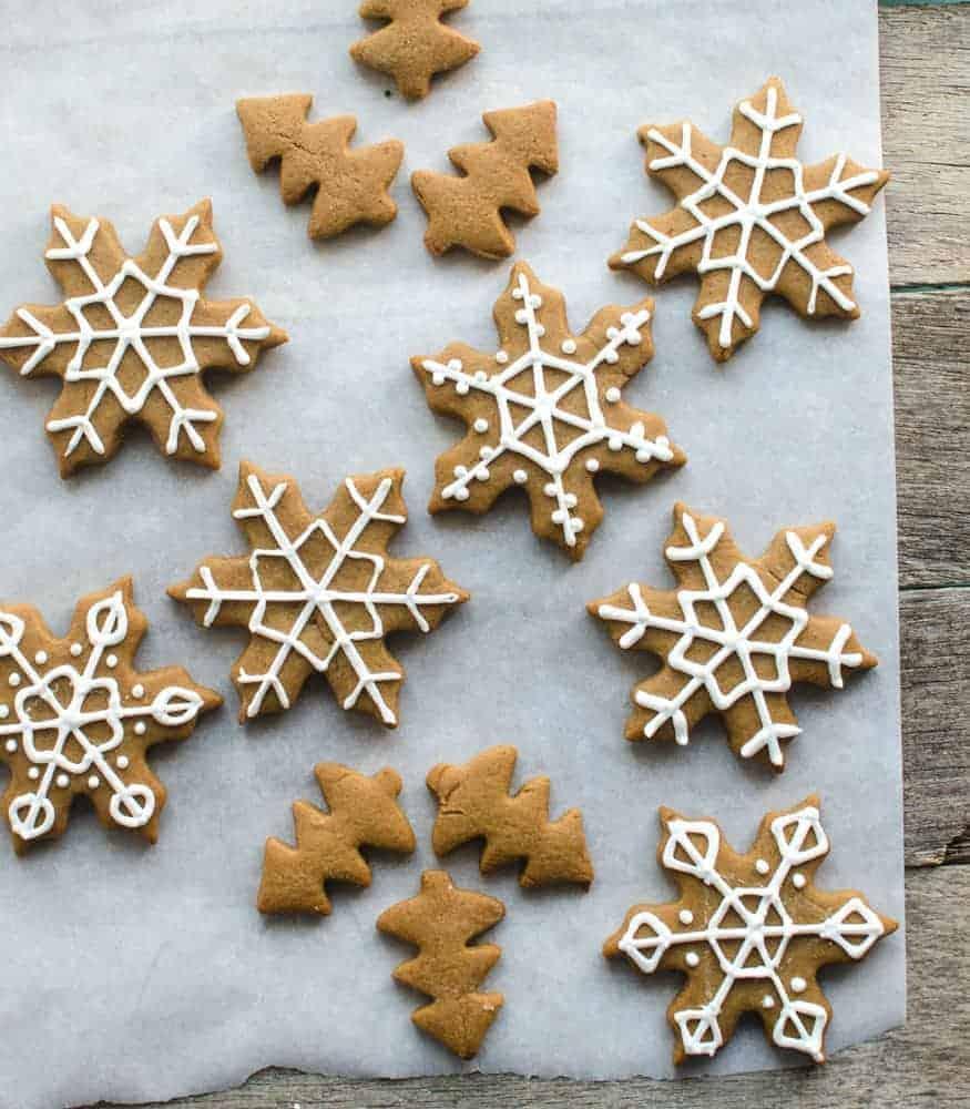 Soft Gingerbread Cookies - Snowflakes