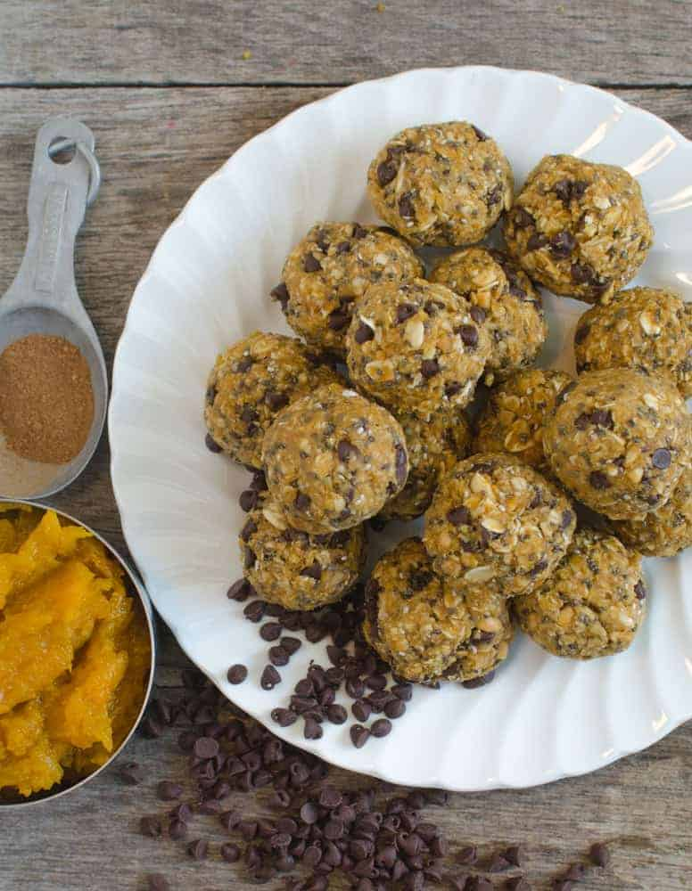 Pumpkin Oatmeal Energy Bites are going to be your go-to healthy snack all fall long.