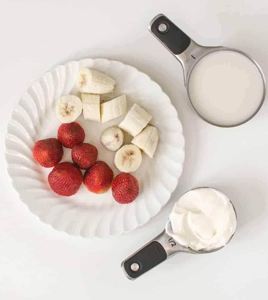 Strawberry Banana Smoothie Recipe - Ingredients