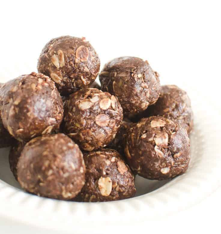 Easy Chocolate Peanut Butter Energy Bites