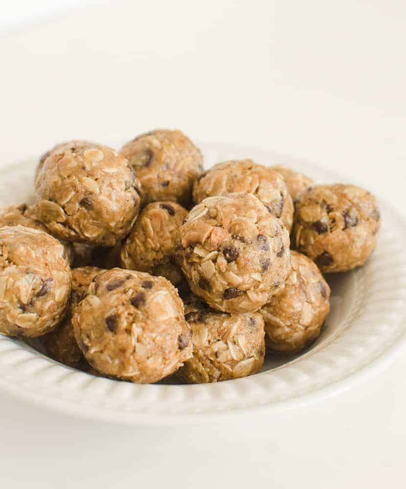 These Peanut Butter Chocolate Chip Oatmeal Energy Bites are perfect for snacks, dessert, lunch boxes, or post-workout recovery time.