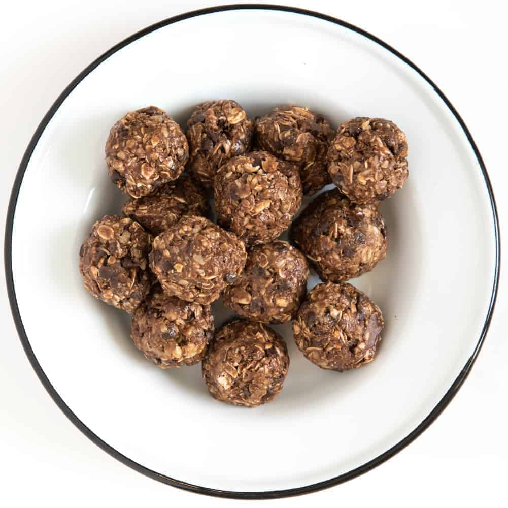 Double Chocolate No-Bake Oatmeal Energy Balls
