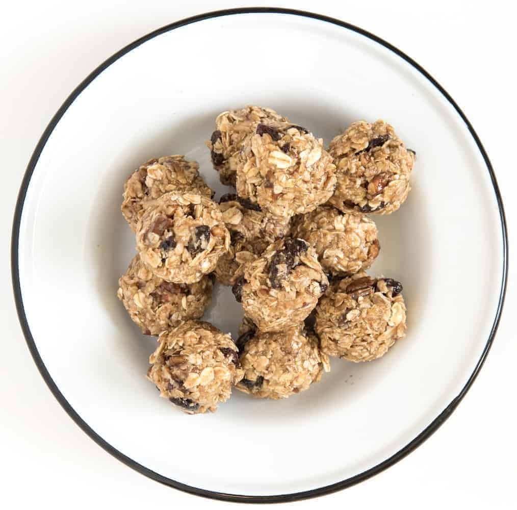 Oatmeal Cookie No-Bake Oatmeal Energy Balls