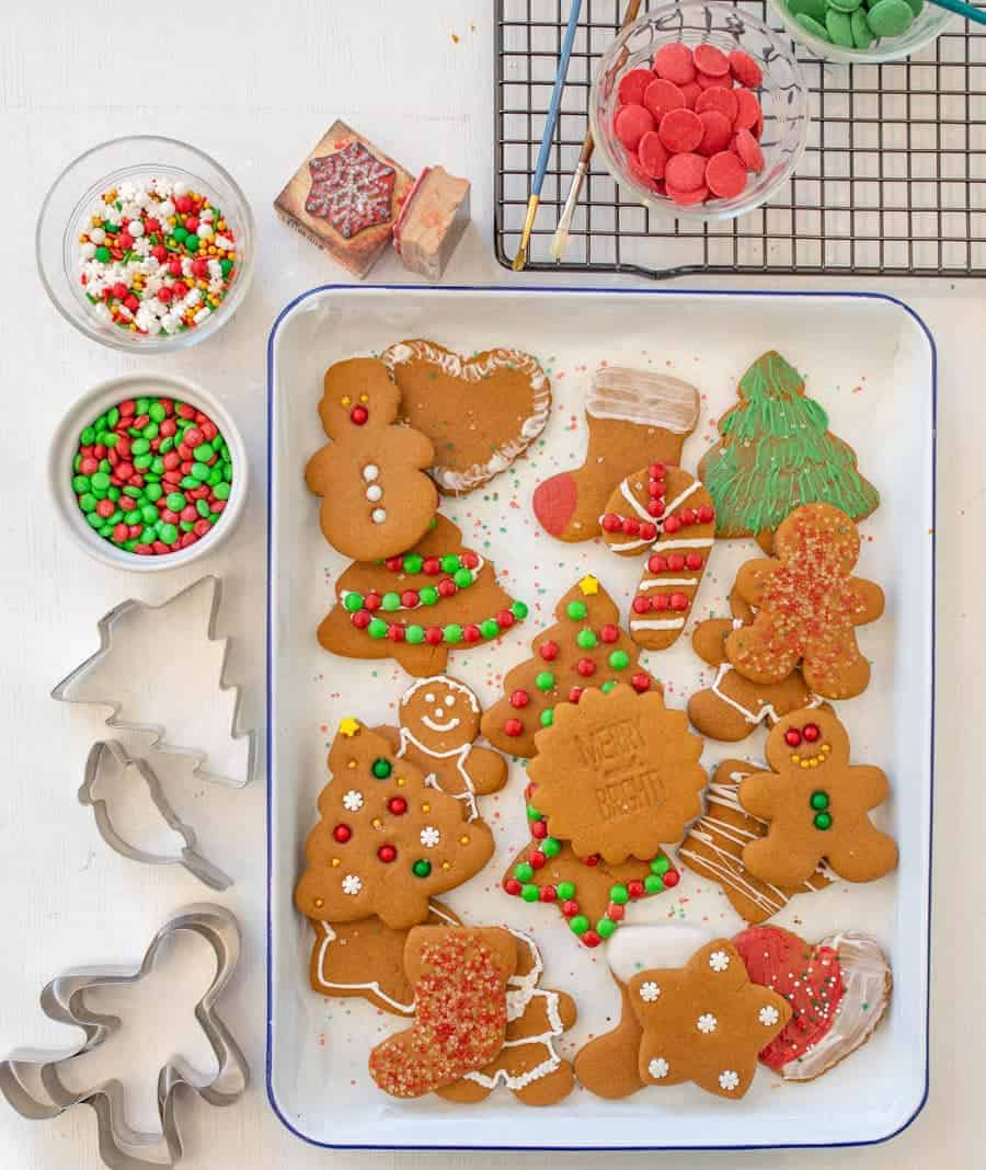 6 Simple Ways to Decorate Gingerbread Cookies