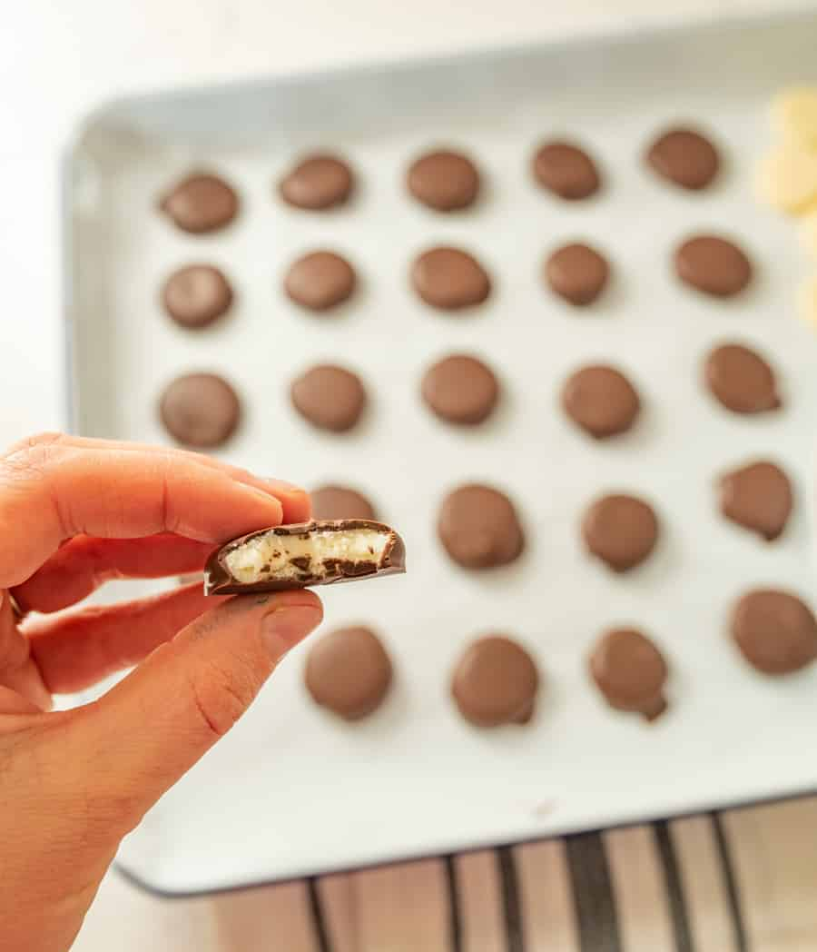 Easy Homemade Peppermint Patties | How to Make Peppermint Patties