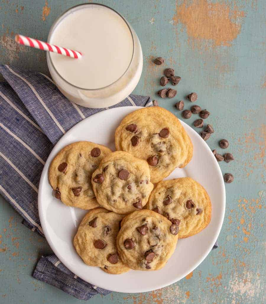 Small batch chocolate chip cookies where the recipes only make 6 cookies for the times when you need a good cookie but don't need a whole batch.