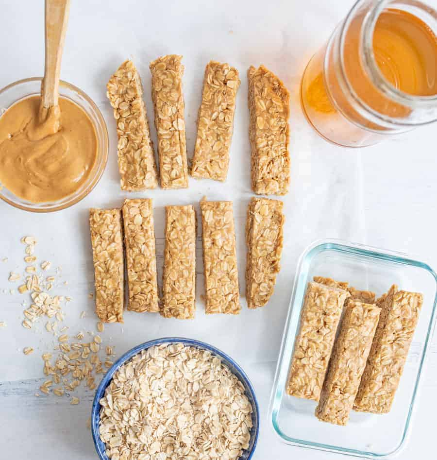 My 4 Ingredient Peanut Butter Honey Granola Bars are an easy snack for on-the-go adventures, and pair perfectly with delicious Horizon Organic DHA Omega-3 milk boxes!