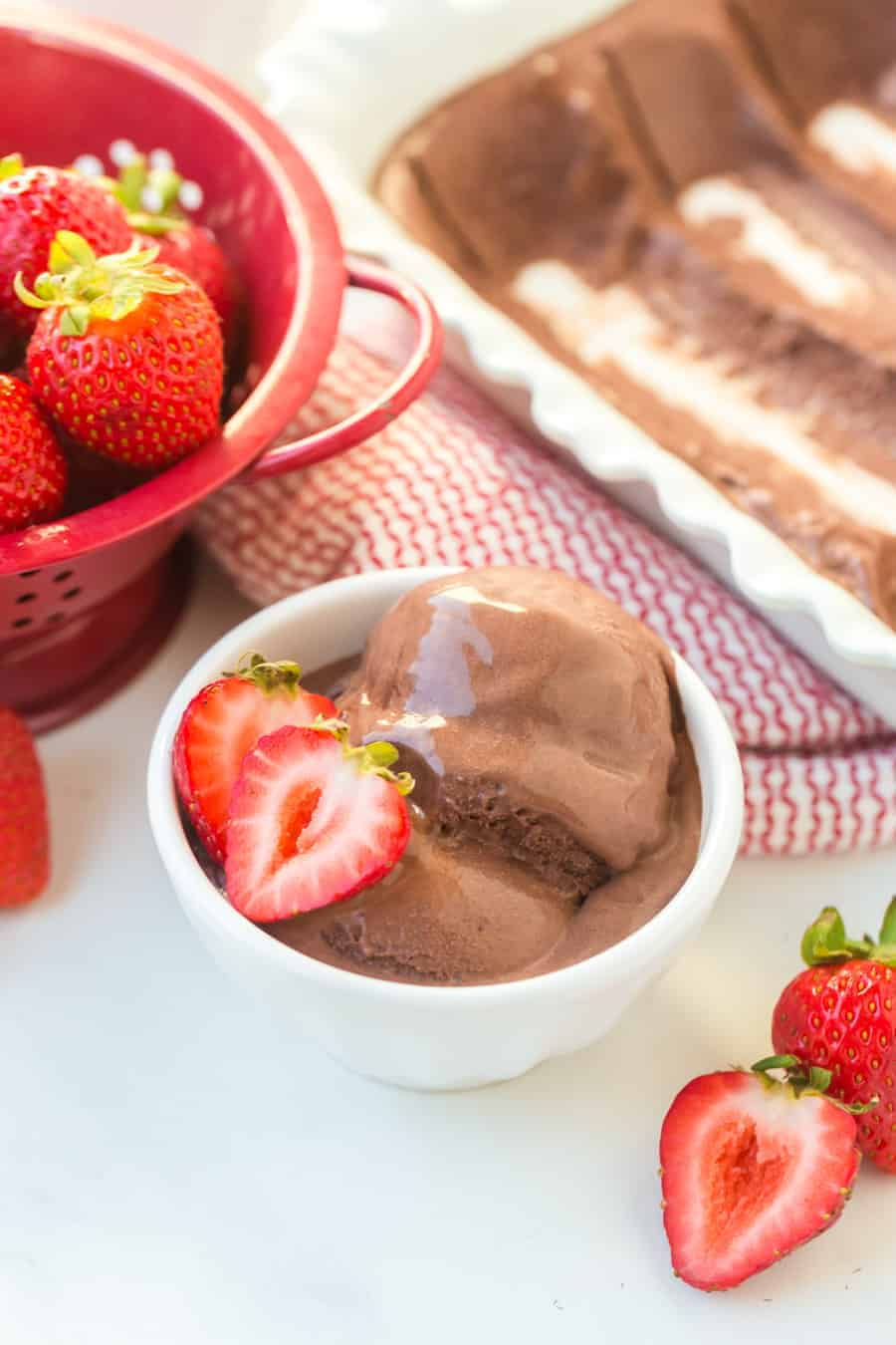 This homemade dark chocolate ice cream is so creamy and luxurious that you'll never go back to the store-bought kind! #icecream #chocolateicecream #icecreamrecipe #homemadeicecream #darkchocolate